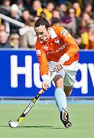 AMSTELVEEN - HOCKEY -  Bloemendaal-speler Diede van Puffelen  tijdens de EHL hockeywedstrijd  tussen de mannen van Bloemendaal en het Spaanse Club de Campo Madrid (6-1).   COPYRIGHT KOEN SUYK