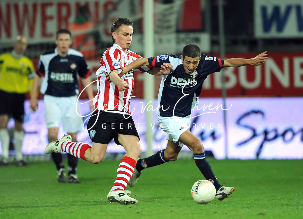 06-03-2009 Voetbal:Sparta Rotterdam:Willem II:Rotterdam<br /> Nathan Rutjes (L) in duel met Mohamed Messoudi (R)<br /> Foto: Geert van Erven