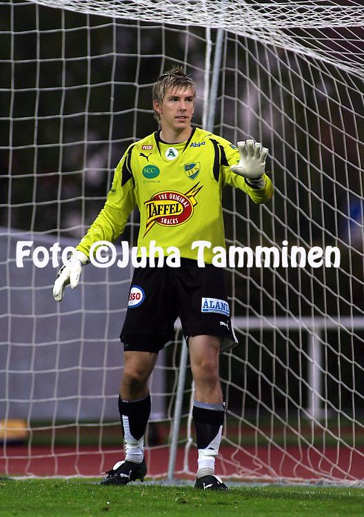 2.9.2007, Wikl&ouml;f Holding Arena, Mariehamn, Finland.<br /> Veikkausliiga 2007 - Finnish League 2007.<br /> IFK Mariehamn - FC Viikingit. <br /> Anders &Ouml;verstr&ouml;m - IFK Mhamn