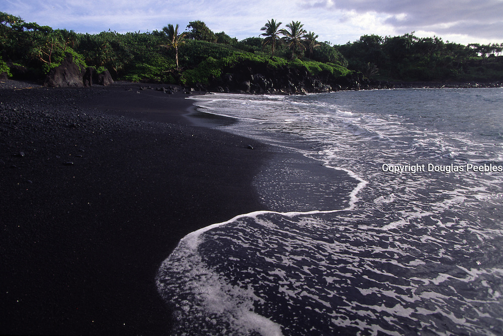 Wainapanapa, Black Sand Beach, Hana Coast, Maui, Hawaii<br />
