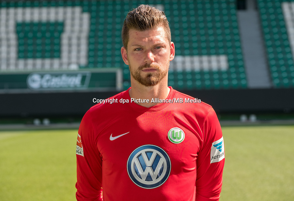 German Bundesliga - Season 2016/17 - Photocall VfL Wolfsburg on 14 September 2016 in Wolfsburg, Germany: Goalkeeper Max Gruen. Photo: Peter Steffen/dpa | usage worldwide