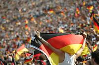 Fussball WM 2006        Deutschland - Schweden Ein deutscher Fan jubelt ueber das 1:0 in der Partie gegen Schweden. Im Olympiastadion verfolgten tausende Fans das Spiel.