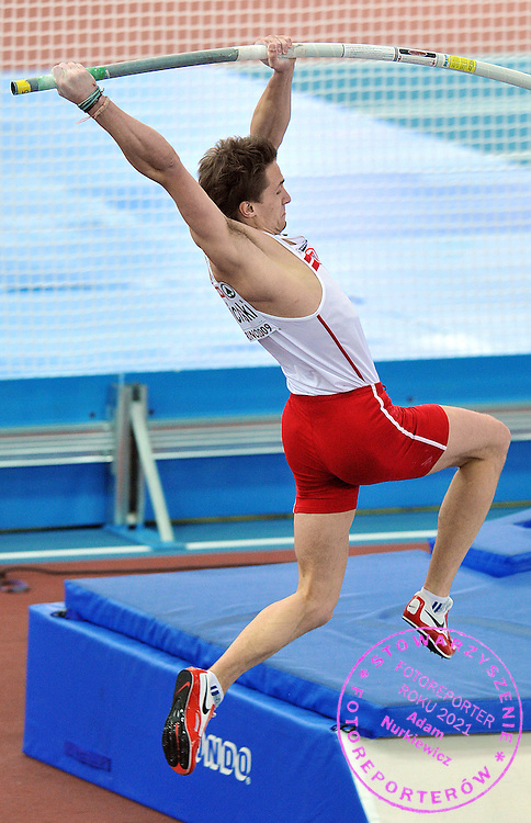 LUKASZ MICHALSKI (POLAND) COMPETES POLE VAULT MEN AT OVAL LINGOTTO HALL DURING EUROPEAN ATHLETICS INDOOR CHAMPIONSHIPS TORINO 2009...TORINO , ITALY , MARCH 07, 2009..( PHOTO BY ADAM NURKIEWICZ / MEDIASPORT )