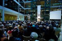 """06 MAY 2005, BERLIN/GERMANY:<br /> Veranstaltungsreihe """"Das Jahr 1945. Ende und Neubeginn"""", Lesungen, Filme, Fotoausstellung des Freundeskreises Willy-Brandt-Haus e.V., Atrium, Willy-Brandt-Haus<br /> IMAGE: 20050506-01-023"""