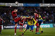 LUXEMBURG 2016-10-07<br /> Marcus Berg sparkas i ansiktet under VM-kval matchen i fotboll mellan Luxemburg och Sverige p&aring; Stade Josy Barthel, Luxemburg, fredag den 7 oktober 2016. <br /> Foto: Nils Petter Nilsson/Ombrello<br /> ***BETALBILD***