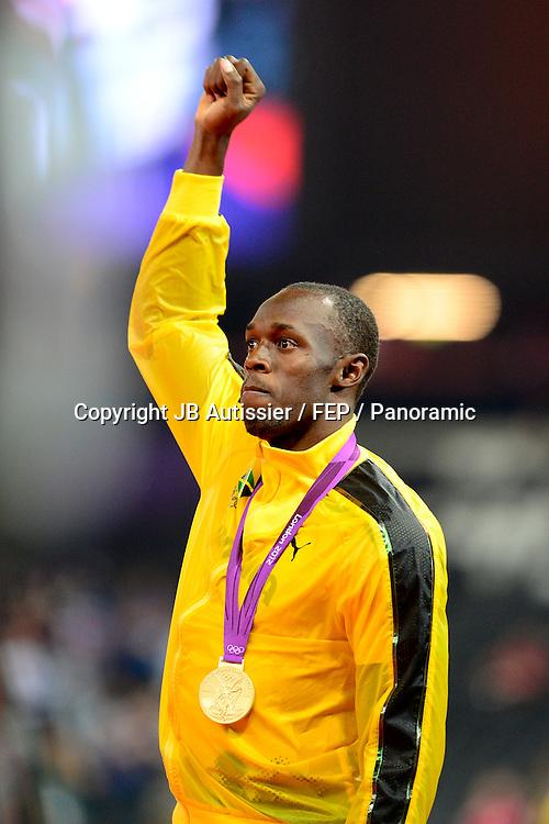 Usain Bolt (jam) - finale relais 4x100m hommes podium médaille d or