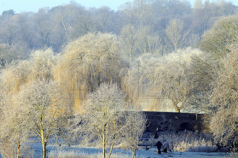 © Licensed to London News Pictures. 17/01/2013.The UK has woken up this morning to freezing temperatures as the cold weather continues today (17.01.13).Early morning dog walks at Foots Cray Meadows,Sidcup,Kent this morning..Photo credit : Grant Falvey/LNP