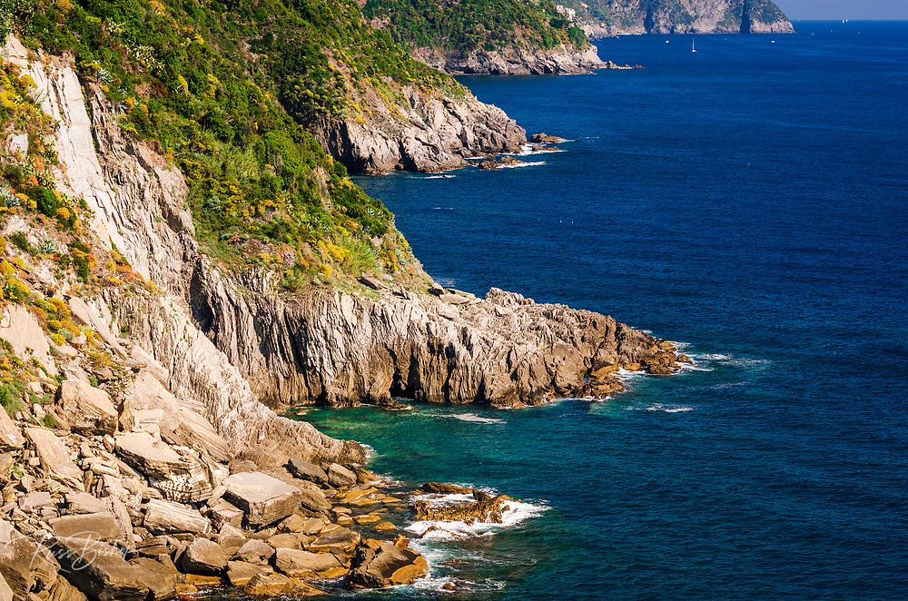 The rugged Ligurian Coast south of Vernazza, Cinque Terre, Liguria, Italy