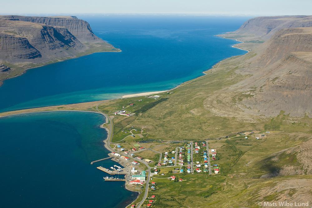 Tálknafjörður séð til vesturs. Tálknafjarðarhreppur / Talknafjordur viewing west