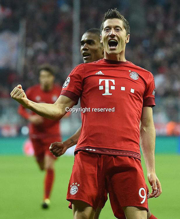 29.092015. Munich, Germany.  Champions League  FC Bayern Munich - Dinamo Zagreb, at the Allianz Arena.   Robert Lewandowski (FC Bayern Munich) celebrate the goal for 5:0