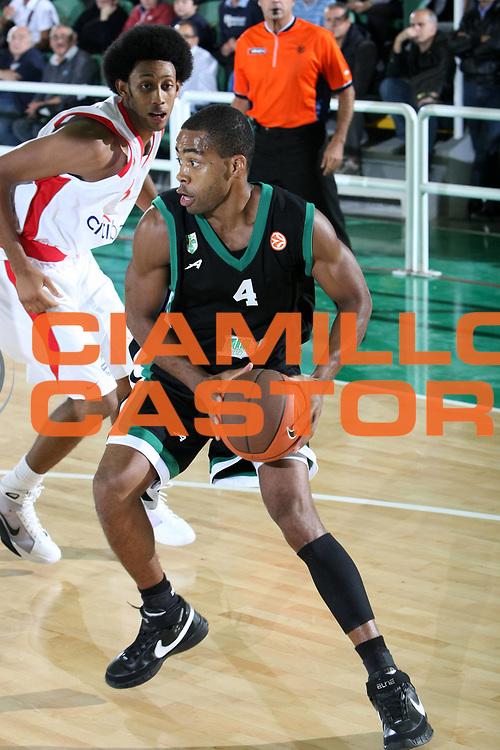 DESCRIZIONE : Avellino Eurolega 2008-09 Air Avellino Olympiacos Piraeus<br /> GIOCATORE : Chris Warren<br /> SQUADRA : Air Avellino<br /> EVENTO : Eurolega 2008-2009<br /> GARA : Air Avellino Olympiacos Piraeus<br /> DATA : 23/10/2008 <br /> CATEGORIA :<br /> SPORT : Pallacanestro <br /> AUTORE : Agenzia Ciamillo-Castoria/C. De Massis