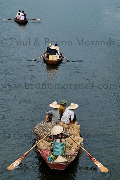 Vietnam. Environs de Hanoi. La montagne des parfums. // Vietnam. Around hanoi. The perfume montain.