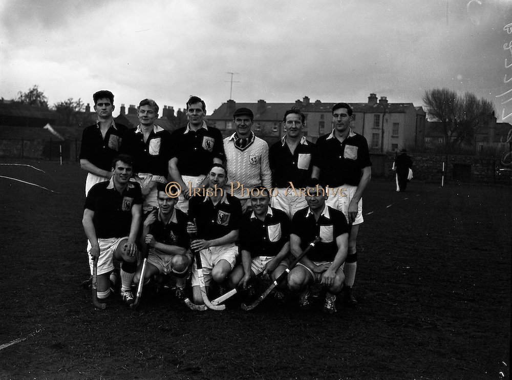 16/01/1960<br /> 01/16/1960<br /> 16 January 1960<br /> Interprovincial Mens Hockey: Ulster v Connaught. The Connaught team defeated by Ulster by six goals to nil in the Mens Senior Hockey Interprovincial at Londonbridge Road, Dublin.
