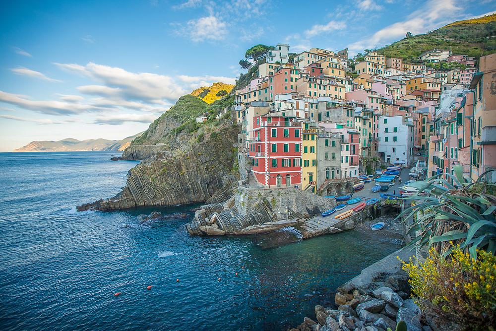 Riomaggiore seascape on the Conque terre, meditarrantean coast of Italy