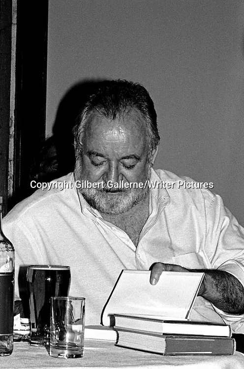 James Crumley, Shots in the dark mystery festival, Nottingham 1994 <br /> <br /> copyright Gilbert Gallerne/Writer Pictures<br /> contact +44 (0)20 822 41564<br /> info@writerpictures.com<br /> www.writerpictures.com