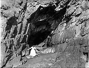 06/1954<br /> June1954<br /> Nohoval cove, near Roberts Cove, Co. Cork.