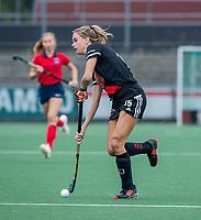 AMSTELVEEN  - Lina van Drunen (Adam) tijdens de hoofdklasse competitiewedstrijd hockey dames , Amsterdam-Laren (3-0)  , COPYRIGHT KOEN SUYK