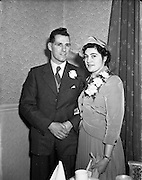 24/11/1952<br /> 11/24/1952<br /> 24 November 1952<br /> Wedding of John O'Neill and Peggy O'Connell, 15, Ballybough Road at Four Courts Hotel, Dublin.
