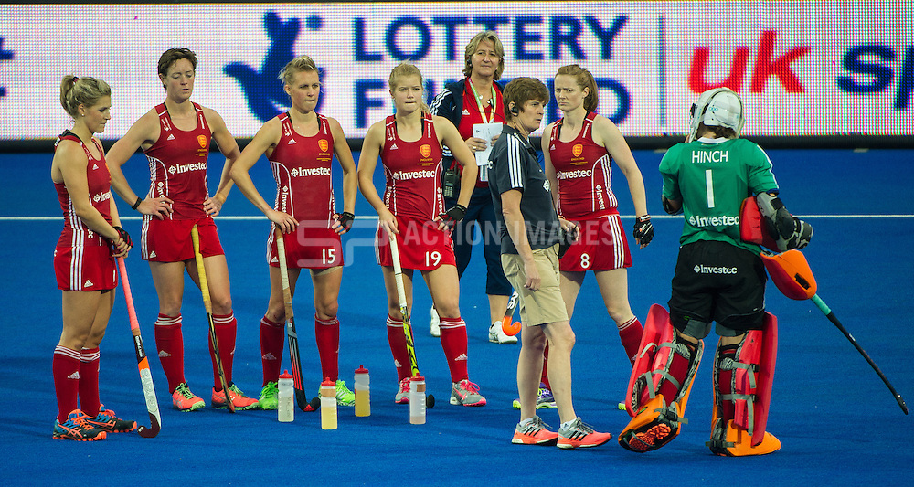 The England players wait for the shoot out. England v The Netherlands - Final Unibet EuroHockey Championships, Lee Valley Hockey & Tennis Centre, London, UK on 30 August 2015. Photo: Simon Parker
