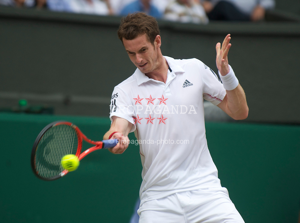 LONDON, ENGLAND - Thursday, June 24, 2010: Andy Murray (GBR) during the Gentlemen's Singles 2nd Round on day four of the Wimbledon Lawn Tennis Championships at the All England Lawn Tennis and Croquet Club. (Pic by David Rawcliffe/Propaganda)