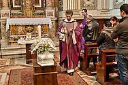 Roma 18 Gennaio 2013.Funerali di Angelo il bambino rom  romeno di 5 mesi morto nel campo di Via Candoni, nella chiesa di Santa Maria  in Trastevere.