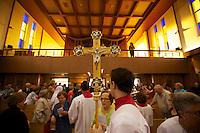 La cha?sse de Sainte Maria Goretti est expose?e dans la paroisse Notre-Dame-de-la-Consolata a? Montre?al.