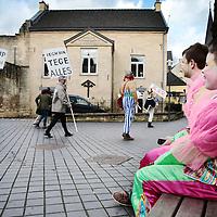Nederland, Valkenburg a/d Geul, 8 februari 2016.<br /> <br /> Wegens extreme omstandigheden is de grote optocht in Valkenburg afgelast.<br /> Als alternatief heeft een kleine groep carnavalvierders een kleine optocht georganiseerd van zo&rsquo;n 25 man waarmee ze door de straten van Valkenburg trokken.<br /> <br /> <br /> Foto: Jean-Pierre Jans
