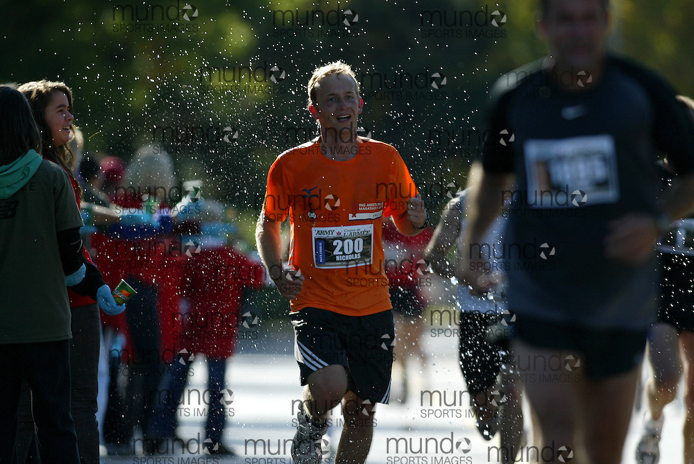 "(Ottawa, Ontario -- 20 Sep 2009) NICHOLAS ELLENS of Hamilton competing in the Army Run half-marathon in Ottawa. [Photo credit should read ""Sean Burges / Mundo Sport Images""]"