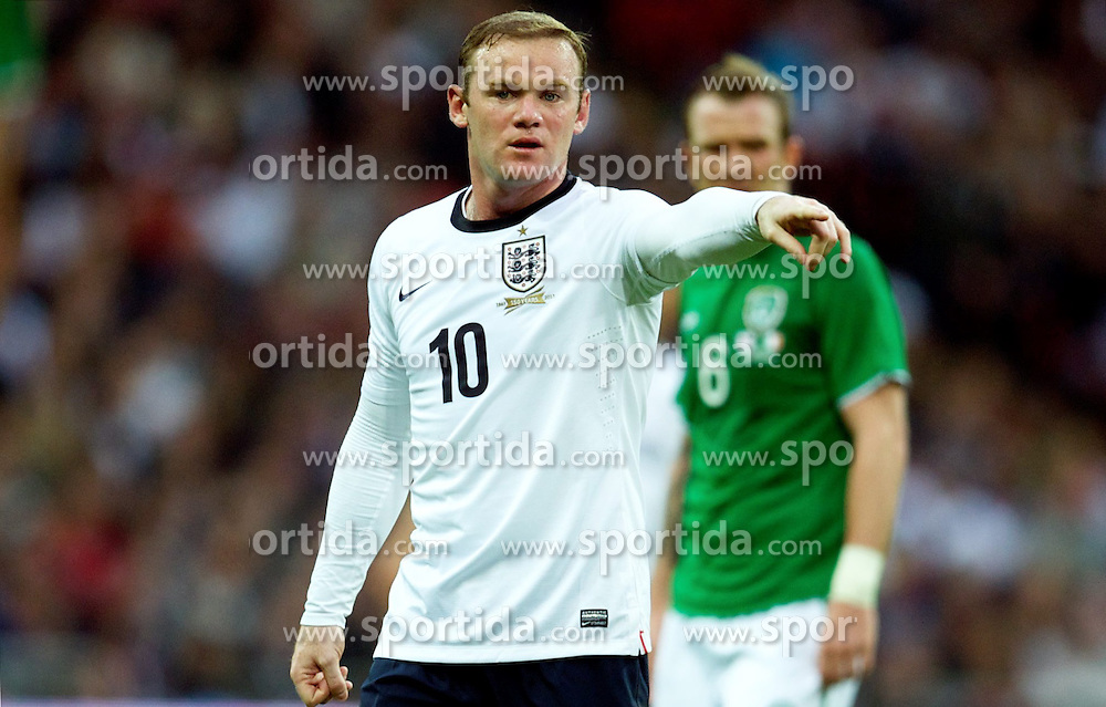 29.05.2013, Wembley Stadion, London, ENG, Testspiel, England vs Irland, im Bild England's Wayne Rooney in action against Republic of Ireland during during International Friendly Match between England and Republic of Ireland at the Wembley Stadium, London, United Kingdom on 2013/05/29. EXPA Pictures &copy; 2013, PhotoCredit: EXPA/ Propagandaphoto/ David Rawcliffe<br /> <br /> ***** ATTENTION - OUT OF ENG, GBR, UK *****