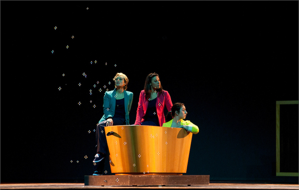 DESIGN DANCE: opening show for Milan Design Fair 2012. Triennale Theatre
