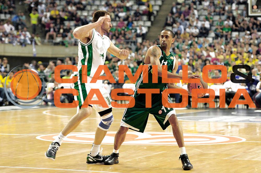 DESCRIZIONE : Barcellona Barcelona Eurolega Eurolegue 2010-11 Final Four Semifinale Semifinal Panathinaikos Montepaschi Siena<br /> GIOCATORE : Drew Nicholas<br /> SQUADRA : Panathinaikos<br /> EVENTO : Eurolega 2010-2011<br /> GARA : Panathinaikos Montepaschi Siena<br /> DATA : 06/05/2011<br /> CATEGORIA : palleggio<br /> SPORT : Pallacanestro<br /> AUTORE : Agenzia Ciamillo-Castoria/C.De Massis<br /> Galleria : Eurolega 2010-2011<br /> Fotonotizia : Barcellona Barcelona Eurolega Eurolegue 2010-11 Final Four Semifinale Semifinal Panathinaikos Montepaschi Siena<br /> Predefinita :