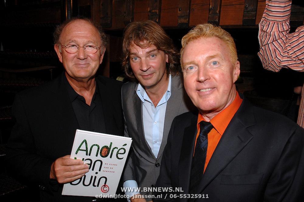 NLD/Amsterdam/20061011 - Presentatie boek Andre van Duin, Joop van der Ende, Matthijs van Nieuwkerk en Andre