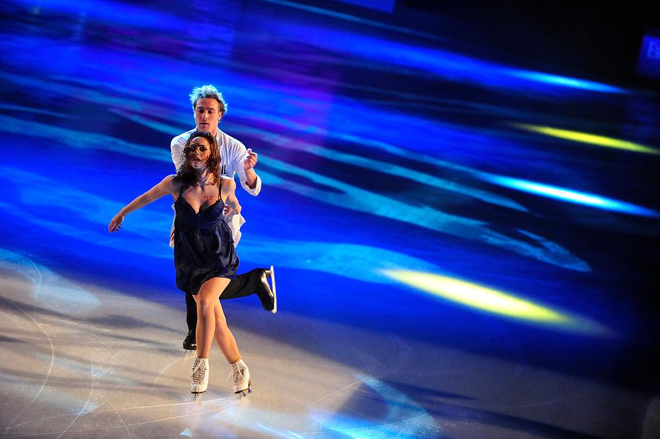 Nathalie Pechalat (FRA) et Fabian Bourzat (FRA) lors du gala du trophée de danse sur glace Eric Bompard 2012, le 18 Novembre 2012 au POPB.