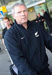 26.05.2010, Flughafen, Graz, AUT, FIFA Worldcup Vorbereitung, Ankunft Neuseeland, im Bild Ricki Herbert, Trainer, Ankunft des Teams Neuseeland am Flughafen Graz Thalerhof, EXPA Pictures © 2010, PhotoCredit: EXPA/ S. Zangrando / SPORTIDA PHOTO AGENCY
