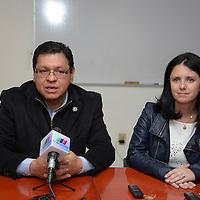 Toluca, México.- Macarena Rau Vargas, experta internacional en temas de prevención del delito se encuentra en Toluca certificando a 30 servidores públicos municipales en esta materia. Agencia MVT / Crisanta Espinosa