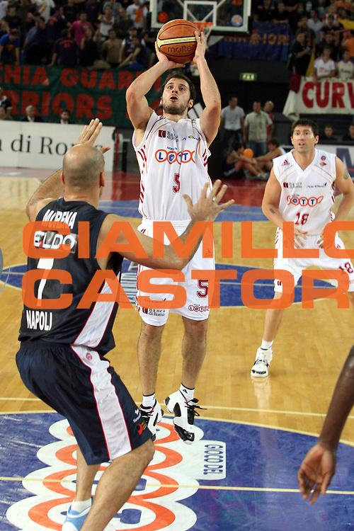 DESCRIZIONE : Roma Lega A1 2006-07 Playoff Quarti di Finale Gara 3 Lottomatica Virtus Roma Eldo Napoli<br />GIOCATORE : Jacopo Giachetti<br />SQUADRA : Lottomatica Virtus Roma<br />EVENTO : Campionato Lega A1 2006-2007 Playoff Quarti di Finale Gara 3 <br />GARA : Lottomatica Virtus Roma Eldo Napoli<br />DATA : 22/05/2007 <br />CATEGORIA : Tiro<br />SPORT : Pallacanestro <br />AUTORE : Agenzia Ciamillo-Castoria/G.Ciamillo<br />Galleria : Lega Basket A1 2006-2007 <br />Fotonotizia : Roma Campionato Italiano Lega A1 2006-2007 Playoff Quarti di Finale Gara 3 Lottomatica Virtus Roma Eldo Napoli<br />Predefinita :