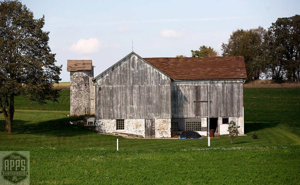 A collection of Barns that still can be seen while traveling the countryside in  the beautiful State of Wisconsin.<br /> Washington County- Barn on Hwy 33 and Hwy 175. Barns from around the State of Wisconsin.