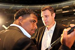 26.01.2010, Lanxess-Arena, Koeln, GER, Weltmeisterschaft Schwergewicht, Pressekonferenz Dr. Vitali Klitschko (GER) und .Odlanier Solis (Kuba) vor ihrem Kampf im Maerz, im Bild: Odlanier Solis  (li.)  und Dr. Vitali Klitschko  schauen sich nicht in die Augen EXPA Pictures © 2011, PhotoCredit: EXPA/ nph/  Mueller       ****** out of GER / SWE / CRO ******