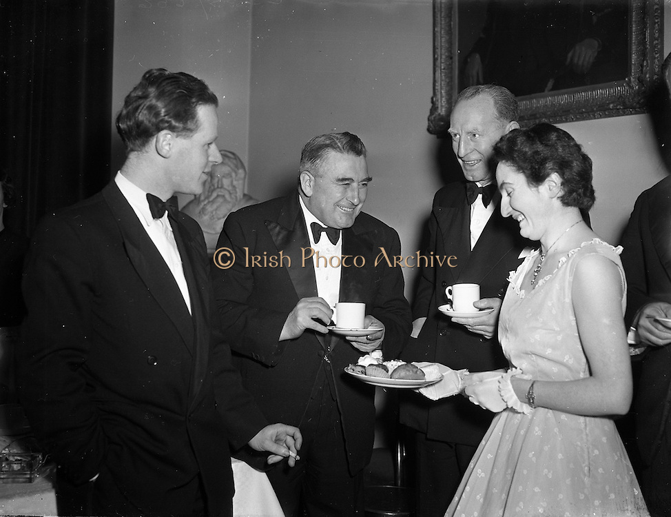 01/02/1954<br /> 02/01/1954<br /> 01 February 1954<br /> Literary and Historical Debating Society inaugural meeting at UCD. Pictured are (l-r): Gerard Sheehy Auditor, Literary and historical debating society; Thomas Walsh, T.D. Minister for Agriculture and Padraig O'Chaoimh, GAA.