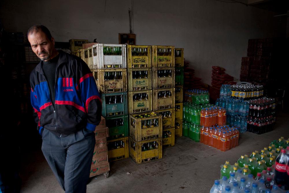 Sejenane is a forgotten city: 63% unemployment, poverty is widespread..The sale of alcohol was banned by the Salafists and is regularly punished by beatings, imprisonment and other penalties.<br /> Sejenane is in the grip of violent Salafis who rule here  since April 2011. <br /> <br /> <br /> Sejenane est sous l'emprise des  Salafistes violents qui y font la loi et y ont installé un régime de terreur depuis avril 2011. .Sejenane est une ville oubliée: 63 % de chomage, la pauvreté est omniprésente. La vente d'alcohol a été interdite par des salafistes et est régulièrement puni par des coups, enfermement et autres peines.