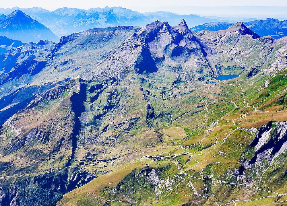 Postkarte A6: Grindelwald First, Bachalpsee, Reeti-, Simeli- und Faulhorn, Niesen, Stockhorn und Niederhorn (7680)