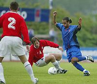 Fotball. Privatlandskamp U21. Sandefjord. 20.05.2002.<br /> Norge v Nederland 1-1.<br /> Andre Muri, Norge og Stabæk.<br /> Said Boutahar, Nederland og Feyenoord.<br /> Foto: Morten Olsen, Digitalsport