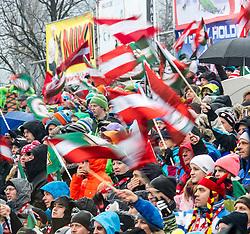 29.12.2013, Hochstein, Lienz, AUT, FIS Weltcup Ski Alpin, Lienz, Slalom, Damen, 2. Durchgang, im Bild Zuschauer // Visitors during the 2nd run of ladies slalom Lienz FIS Ski Alpine World Cup at Hochstein in Lienz, Austria on 2013/12/29, EXPA Pictures © 2013 PhotoCredit: EXPA/ Michael Gruber