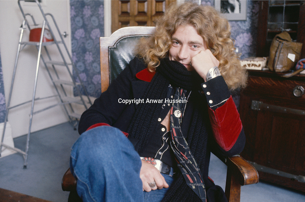 Singer Robert Plant of British heavy rock group Led Zepellin, circa 1975.