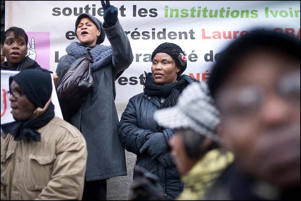 Les Pro Gbagbo se rassemblent et manifestent au centre la place de la République.