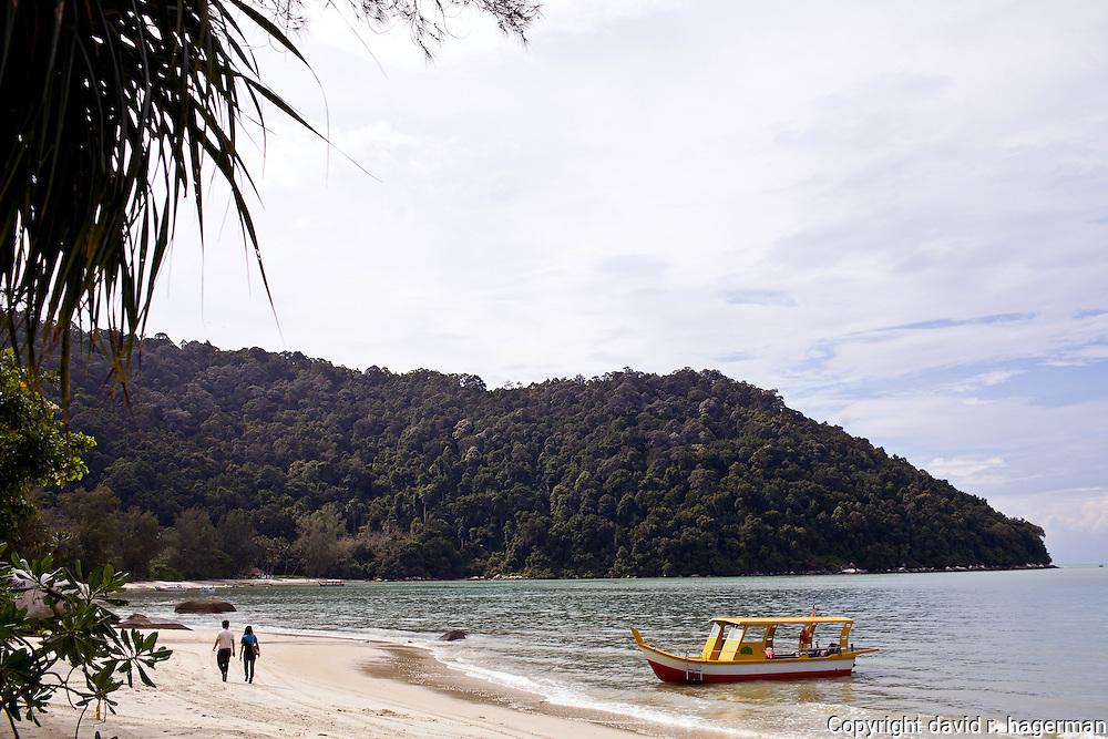 strolling along Monkey Beach
