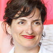 """NLD/Amsterdam/20150515 - Castpresentatie nieuwe film van Johan Nijenhuis  """"Rokjesdag"""", Carly Wijs"""