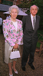 The DUKE & DUCHESS OF DEVONSHIRE at a dinner in London on 24th May 1999.MSK 30