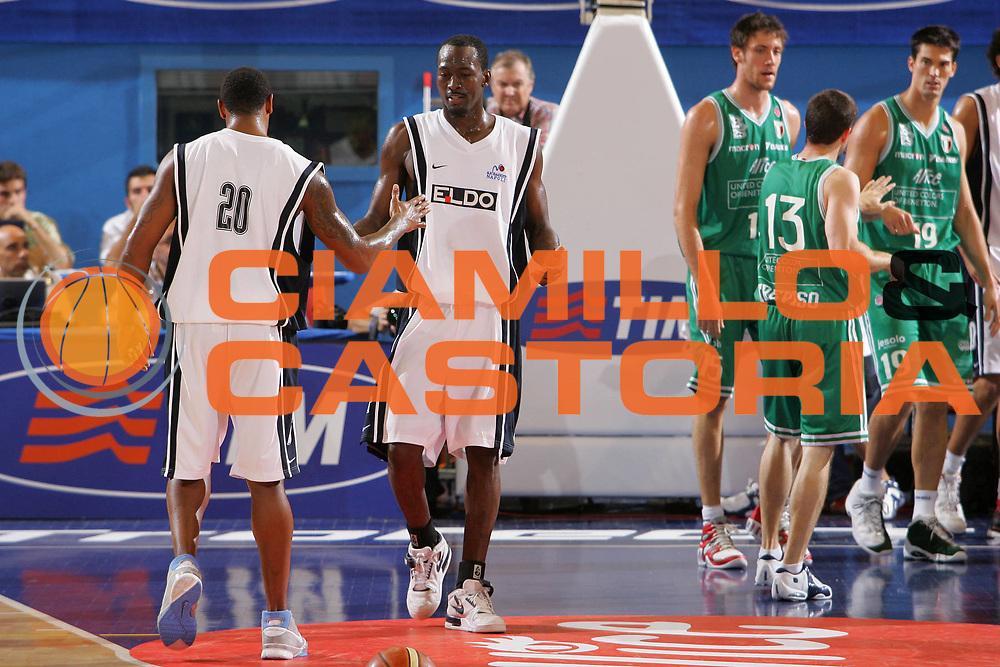 DESCRIZIONE : Milano Precampionato Lega A1 2006-07 Trofeo Tim <br /> GIOCATORE : Sesay <br /> SQUADRA : Eldo Napoli <br /> EVENTO : Precampionato Lega A1 2006-2007 Trofeo Tim <br /> GARA : Eldo Napoli Benetton Treviso <br /> DATA : 19/09/2006 <br /> CATEGORIA : Esultanza <br /> SPORT : Pallacanestro <br /> AUTORE : Agenzia Ciamillo-Castoria/S.Silvestri