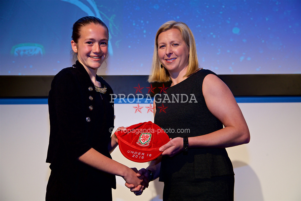 NEWPORT, WALES - Saturday, May 27, 2017: Nieve Jenkins receives her Under-16 Wales cap from Wales women's team manager Jayne Ludlow at the Celtic Manor Resort. (Pic by David Rawcliffe/Propaganda)